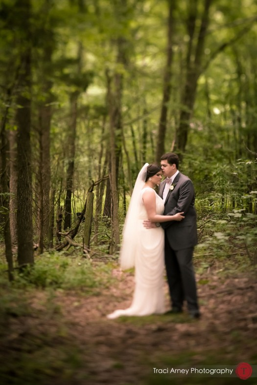 0002-Greensboro-Wedding-Photographer-Stephanie-and-Mike's-Groome-Inn-Outdoor-Ceremony